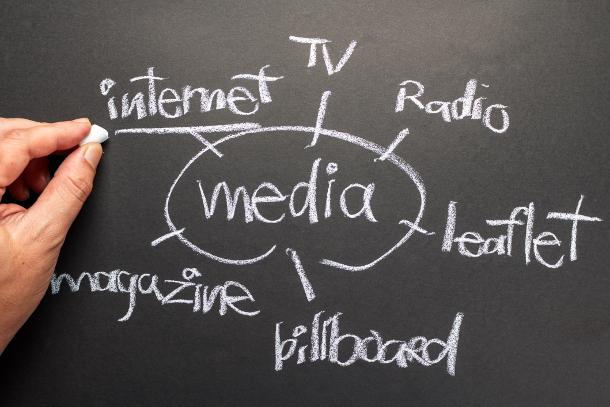 集患のカギを握る「トリプルメディア」とは
